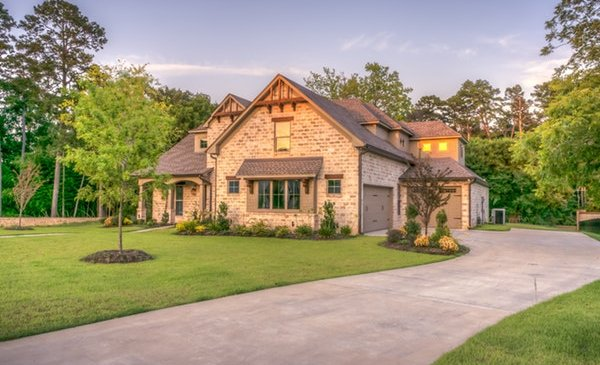 Driveways: Creating a Sophisticated Touch to Your Surrounding