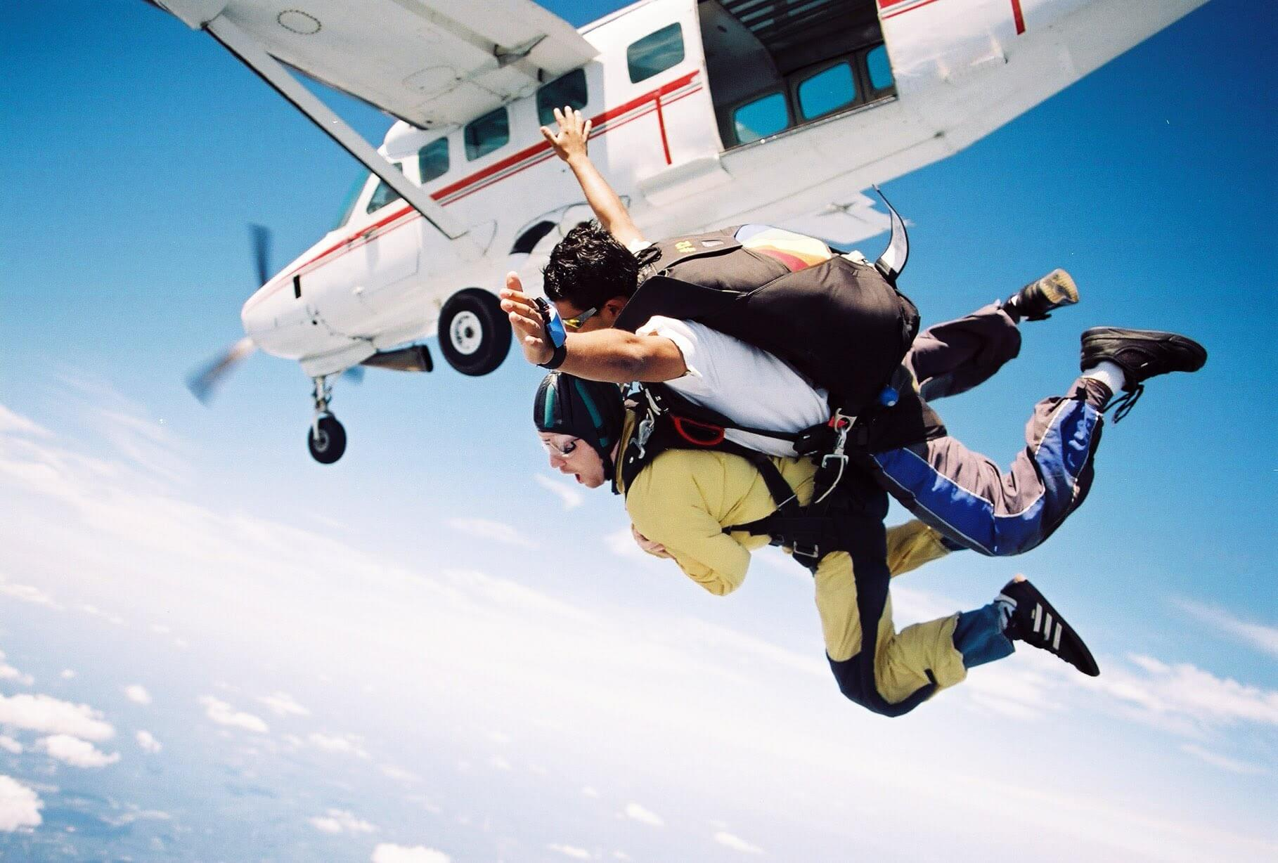 A picture of Skydiving