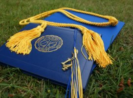 How to Find Scholarships for the College Degree?
