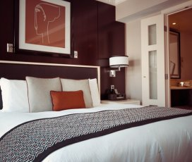 How to Choose the Right Color for Your Bedroom When Painting Your House?
