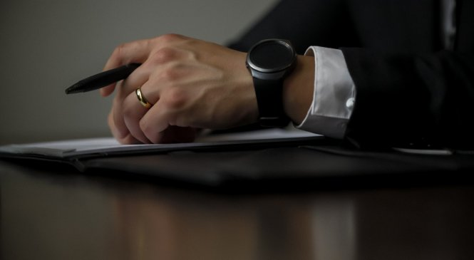Some Ways That a Criminal Lawyer in Toronto Can Help You