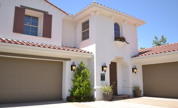 Four Important Points to Know Before You Hire Garage Doors in Mississauga