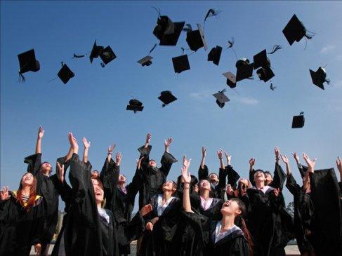 Accomplishment of graduation ceremony