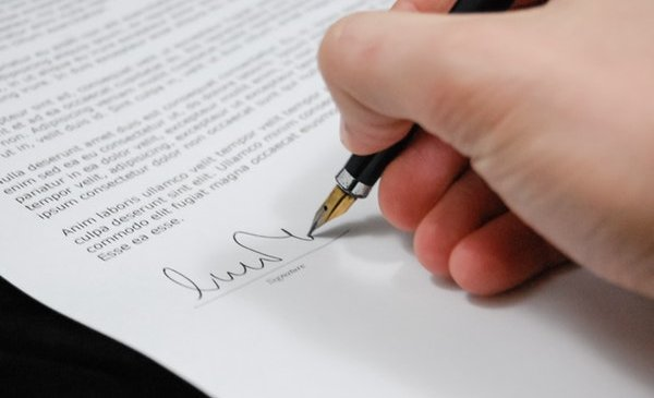 Divorce Lawyer for a Smooth Divorce