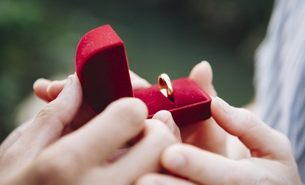 7 Tips for Picking out an Engagement Ring